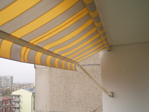 Как защитить от солнца балкон своими руками.